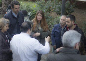 Adelante Sevilla se compromete a mejorar el deficiente mantenimiento de las zonas verdes de Triana