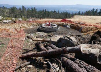 En Marea exige a la Xunta que paralice las actividades de Naturgy en Cabana tras la devastación causada por las obras del parque eólico Mouriños