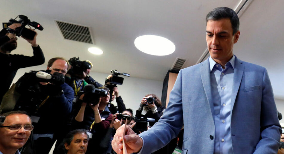 Pedro Sánchez ejerce su derecho a voto y pide «estabilidad para 4 años»