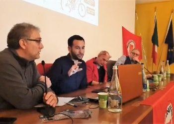 González Rojas defiende en Bérgamo las propuestas de Adelante Sevilla para regular los pisos turísticos