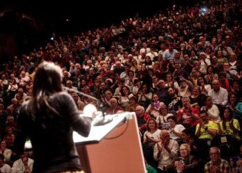 Irene Montero: «A la derecha más cruel solo se le pone freno blindando derechos sociales»