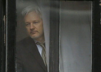 Defensa de Assange se opondrá a que Ecuador entregue sus documentos a EEUU