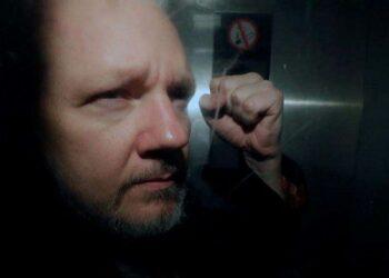 EE.UU. anuncia 17 nuevos cargos criminales contra Julian Assange