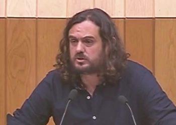 Antón Sánchez: «A Lei de Depredación non se fixo para evitar a deslocalización, senón para facilitarlle as cousas ás empresas eléctricas e mineiras dun xeito antidemocrático»