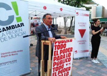 """Enrique Santiago invita a PP, C's y Vox a preocuparse más de revisar """"el fraude de ley en los contratos o las privatizaciones de servicios"""" que de """"incendiar el país con problemas que no preocupan"""""""