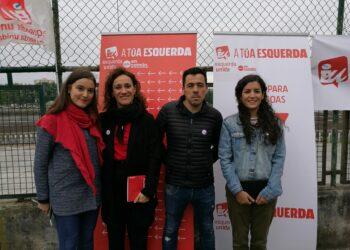 Eva Solla e Olga Santos destacan en Cambre a necesidade de evitar que se antepoñan as necesidades da banca ás da veciñanza