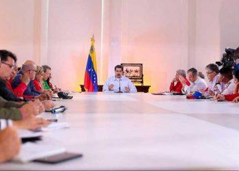 Maduro ratifica convocatoria a elecciones parlamentarias en Venezuela