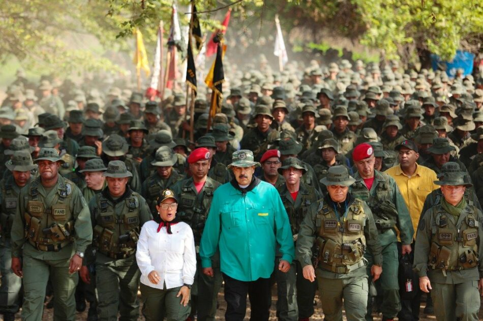 Máxima tensión en Venezuela tras el frustrado golpe y las amenazas de Estados Unidos