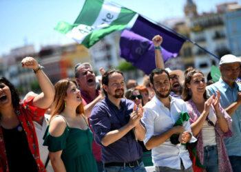 Iglesias, en Sevilla: «Hemos aprendido que desde el Gobierno se puede mejorar la vida de la gente, y nuestro compromiso es ese, no darnos golpes en el pecho»