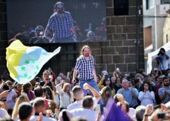 Pablo Iglesias, en Tenerife: «Que suenen las campanas, que no van a evitar que lleguen los dragones con justicia social y democracia»