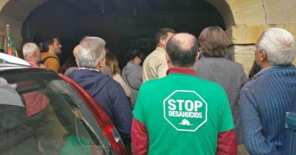 La PAH denuncia el intento de desahucio de una familia por parte de Sareb
