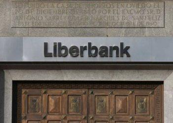 La PAH denuncia que liberbank quiere echar a una familia sin orden judicial