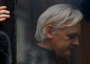 EEUU solicita formalmente a Gran Bretaña la extradición de Assange, según 'The Washington Post'