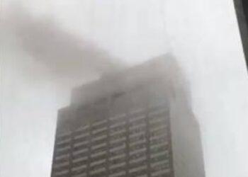 Un helicóptero se estrelló contra un edificio en Nueva York dejando un fallecido