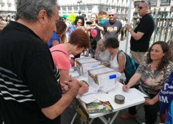 Más de 18.000 personas participan en la consulta republicana en Madrid