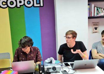 Arcópoli lanza una guía de indicadores para la detección de incidentes motivados por LGTBFobia dirigida a policías