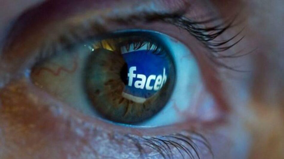 ¿Más libres o más vigilados?, en esta nueva fase del capitalismo el producto eres tú