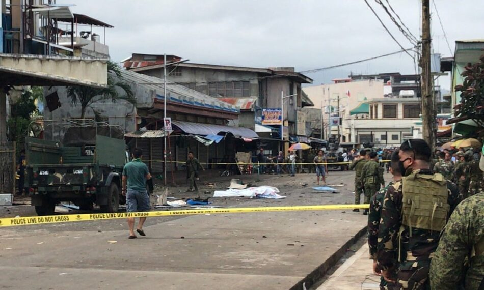 5 muertos en un atentado contra un campamento militar en Filipinas