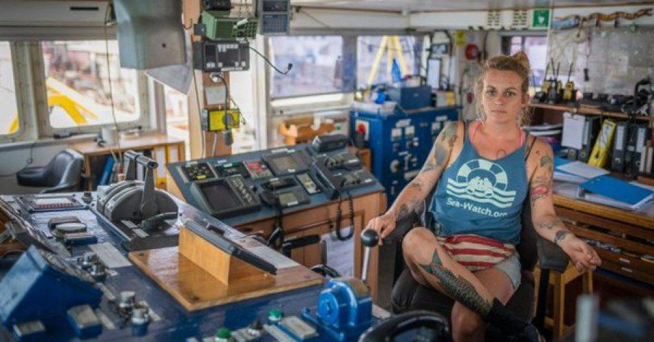 Italia: Pia Klemp, una capitana en el juzgado por salvar a personas en peligro en el mar