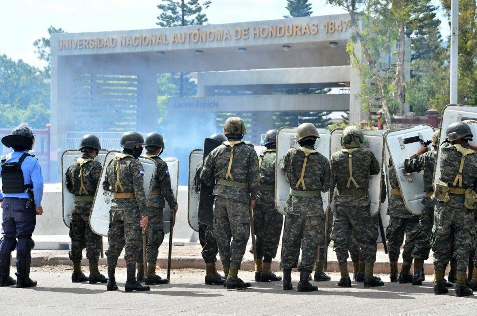Honduras. La policía entró a la Universidad y descargó brutal represión