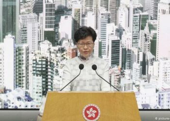 Hong Kong suspende la ley de extradición tras las protestas masivas