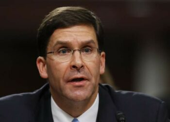 Trump nomina a Mark Esper como secretario de defensa