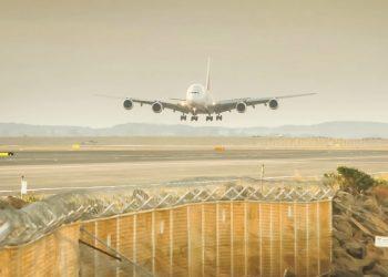 Por un impuesto al combustible de los aviones