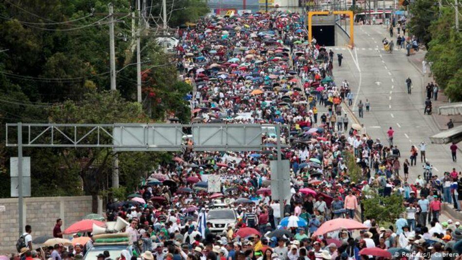 Choques entre la policía y los manifestantes en el segundo paro nacional de protesta en Honduras