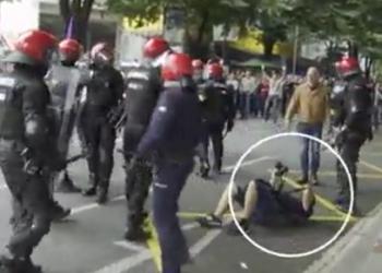 El fotoperiodista Oskar Martínez Bernal, agredido por la Ertzaintza  en Bilbao