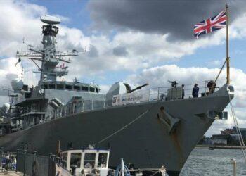 Británicos admiten incapacidad de Marina Real de encarar a Irán