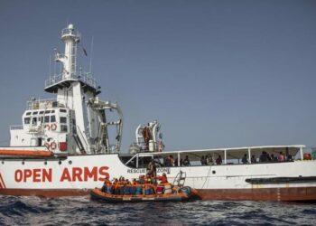 Fomento pone precio a la vida de los migrantes: multas de hasta 901.000 euros al Open Arms