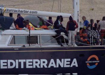 El velero Alex desembarca en Lampedusa con 41 personas rescatadas