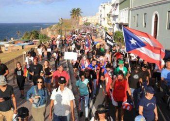Bernie Sanders expresa solidaridad con las protestas en Puerto Rico