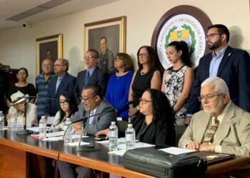 El Colegio de Abogados de Puerto Rico insta a destituir al gobernador Rosselló