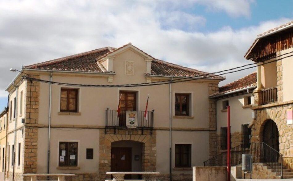 Compromís pide eliminar placas franquistas presentes en las paredes de los  ayuntamientos de Segovia, no detectados por el Gobierno