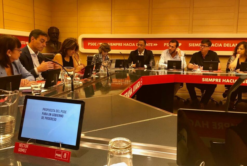 El PSOE acuerda ir a la investidura con un Gobierno en solitario a pesar de contar con 123 diputados