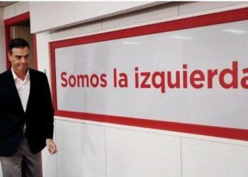 """Enrique Santiago, """"sorprendido"""" de que el Gobierno culpe a Unidas Podemos por no negociar temas concretos """"cuando llevamos un mes recopilando propuestas para cuando se dignen a sentar"""""""