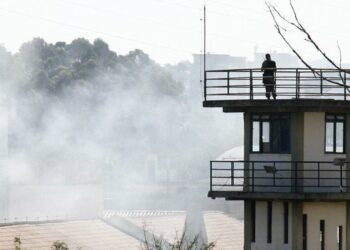 Motín en cárcel de Brasil deja 52 muertos; 16 decapitados