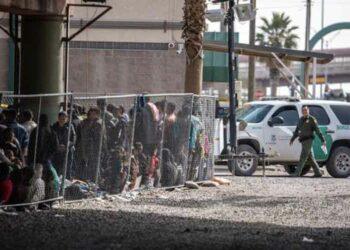 Vigilias exigirán cerrar centros de detención de migrantes en EE.UU.