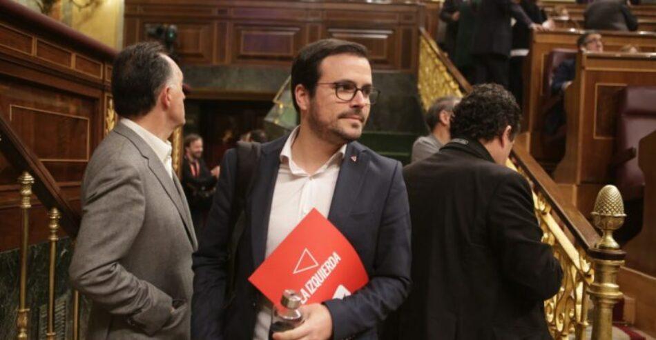 """Garzón cree """"imperioso"""" abordar la """"derogación de la reforma laboral"""" y recuerda a la dirección del PSOE que """"su base social"""" está de acuerdo en hacerlo"""