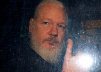 Ratifica Londres en Ecuador compromiso sobre extradición de Assange