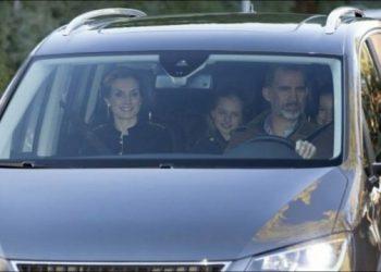 """Alberto Garzón reclama al Gobierno que explique por qué Hacienda compra un coche de 454.000 euros de forma """"secreta y reservada"""" para uso exclusivo de la Casa Real"""