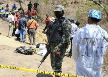 Revelan hallazgo de casi mil 500 cuerpos en 390 fosas en México