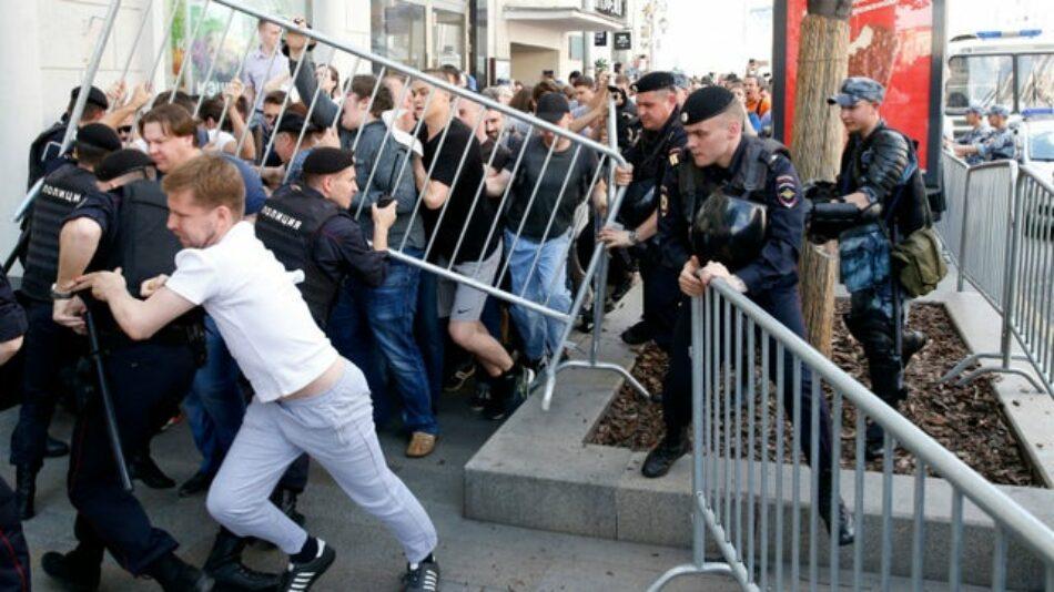 Más de mil detenidos en una manifestación en Moscú