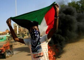 Oposición en Sudán rompe conversaciones tras asesinato de estudiantes