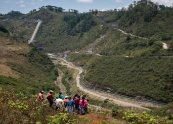 La justicia de Guatemala reconoce la vulneración de los derechos de los pueblos indígenas en la hidroeléctrica construida por el grupo Cobra-ACS