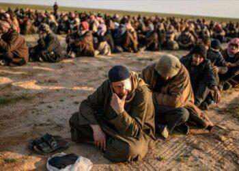 Trump amenaza con soltar a miles de terroristas de Daesh en Europa