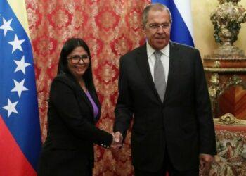 Vicepresidenta de Venezuela se reúne con ministro de Exteriores de Rusia para fortalecer relaciones