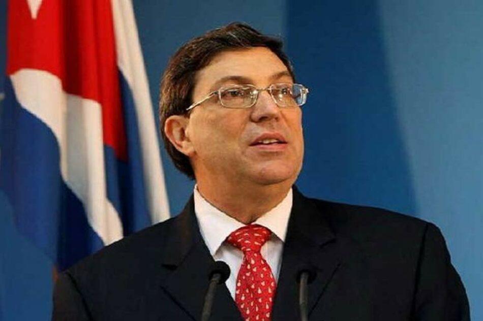 El ministro de exteriores cubano denuncia el impacto del bloqueo en remesas hacia Cuba