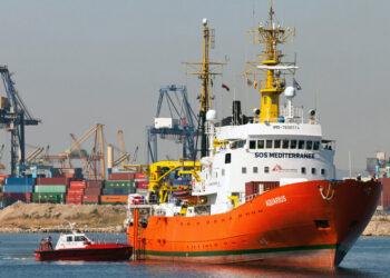 ACNUR: «Los Gobiernos europeos deben dejar desembarcar a las más de 500 personas rescatadas en el Mediterráneo central»